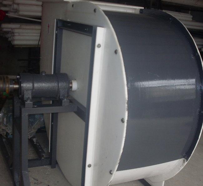 风壳外加防护罩的风机